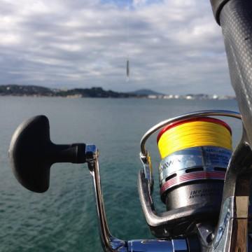 Le shore jigging, une technique de pêche en mer de plus en plus pratiquée !